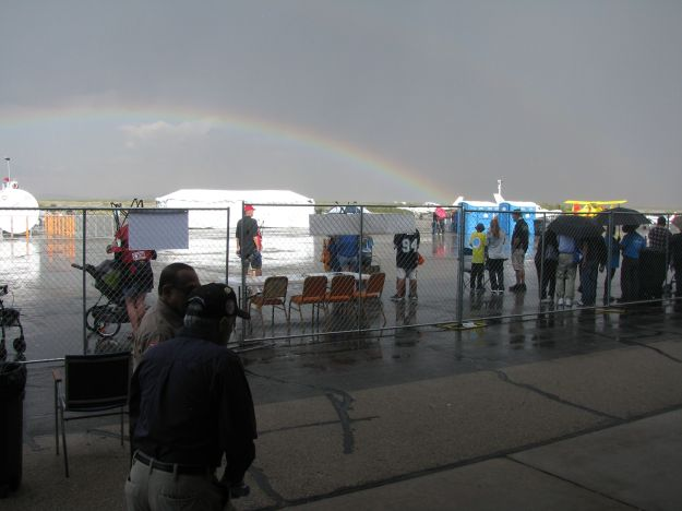 A sudden downpour on Sunday didn't manage to stop the show for long, and gave all present a beautiful rainbow bonus.
