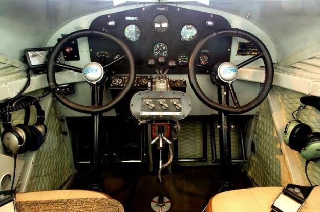 Tri-Motor Panel View 007