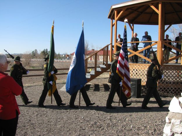 (1)7063-USBP Honor Guard with Colors