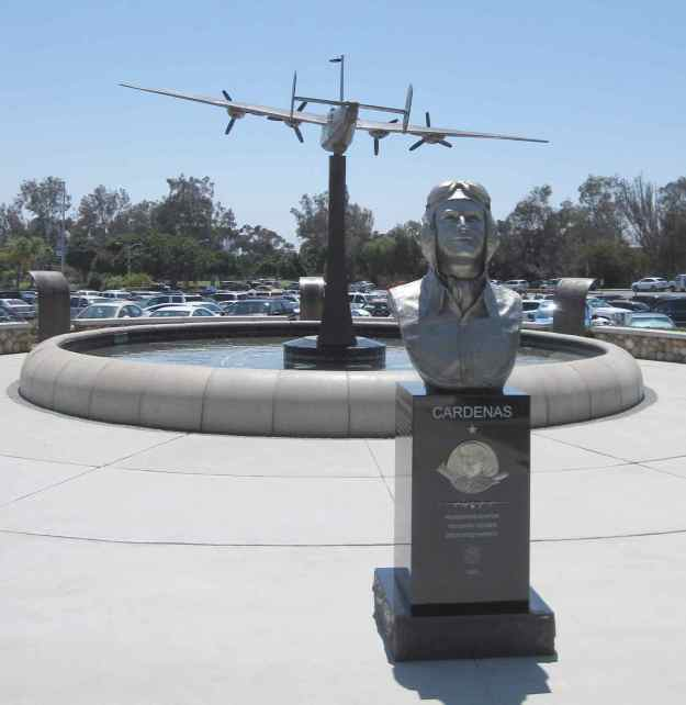 Above: Statue of FASF Advisor General Robert Cardenas at San Diego Veteran's Memorial Gardens in the city's famed Balboa Park. It's not too often that memorial statues of living heroes are erected in the United States.