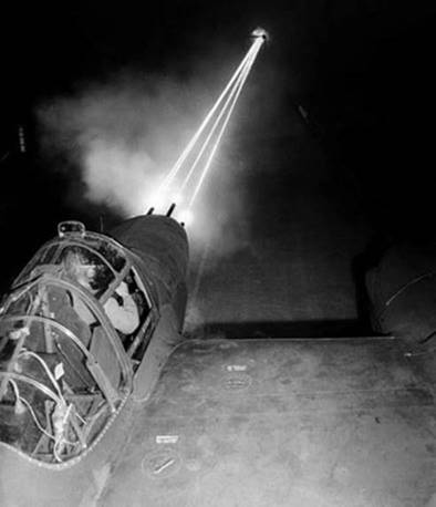 6) The P-38s guns were so effective, they could reliably hit targets at up to 1,000 yards. Most other fighters were only effective at 100-250 yards.