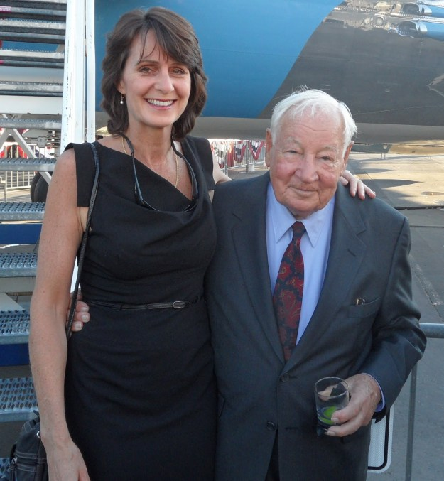 Karlene Petitt, Airline Pilot of both 747 and Airbus A330, had interesting conversation with Sutten at a party.